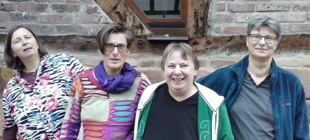 v.l.n.r.: Heike Aßmann, Ulrike Janz, Jule Blum und Elke Heinicke, zurzeit amtierender Vorstand des LesbenRing e. V.