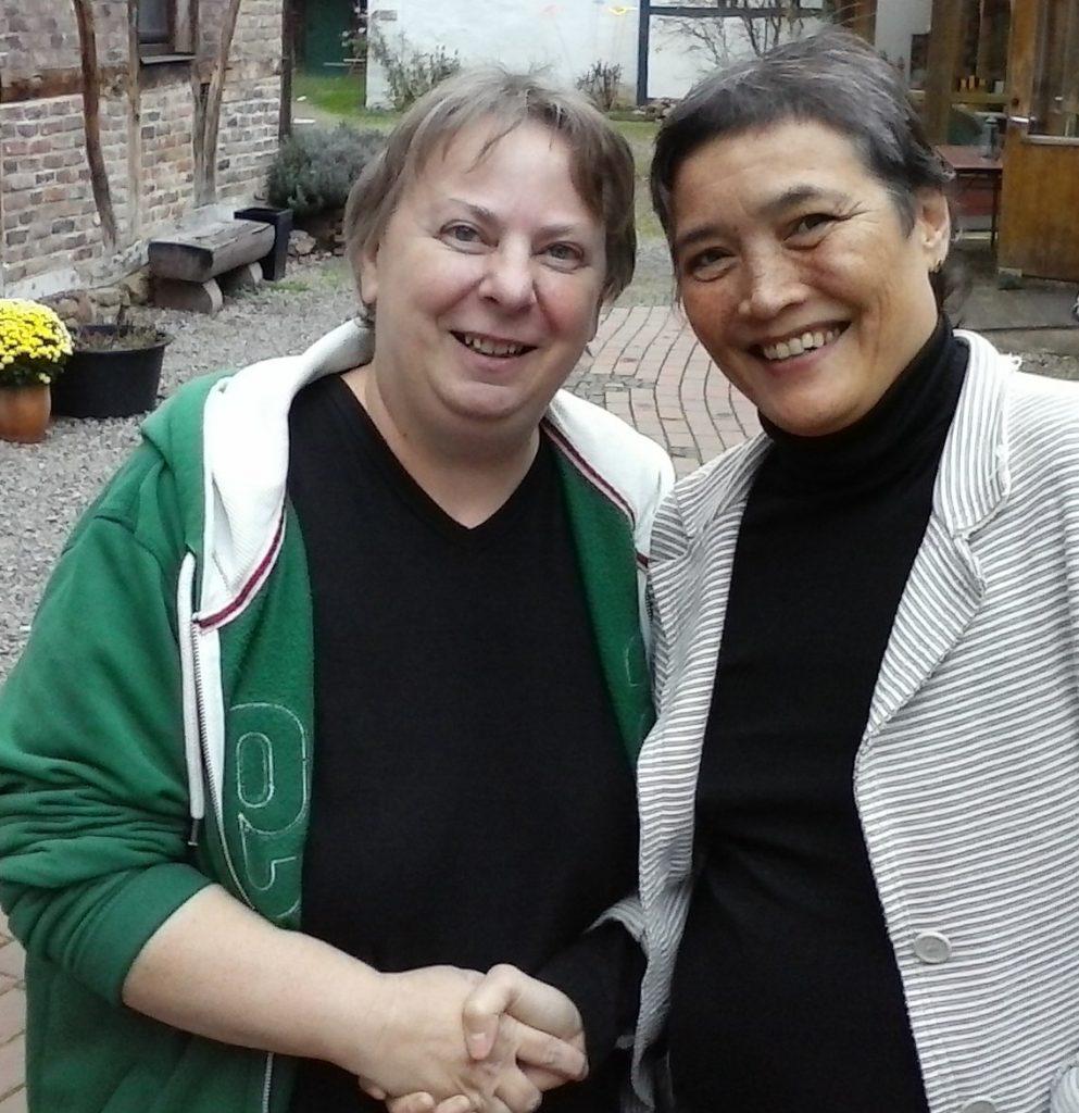 links im Bild Jule Blum, rechts Sandra Wöhe